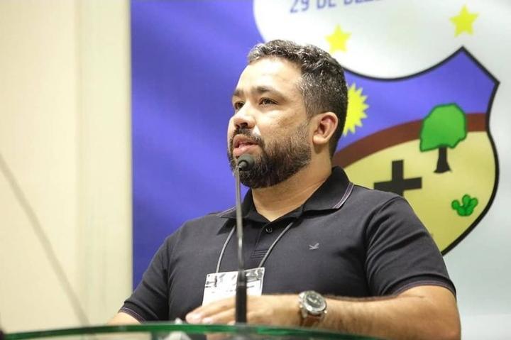 Fábio anuncia Romenyck Stiffen como secretário de articulação política