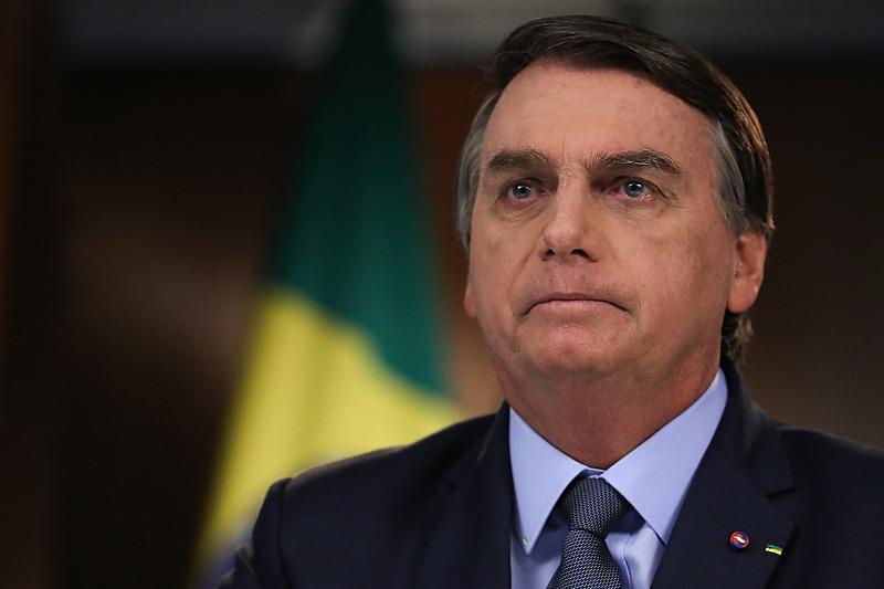 Em 2020, Governo Bolsonaro gastou R$ 15 milhões em leite condensado, R$ 13 mi em barra de cereal e 16 mi com batata frita