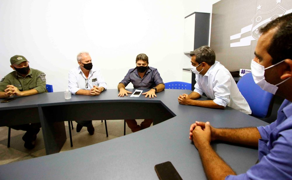 Gerente regional da Adagro visita Santa Cruz para discutir reabertura do Matadouro