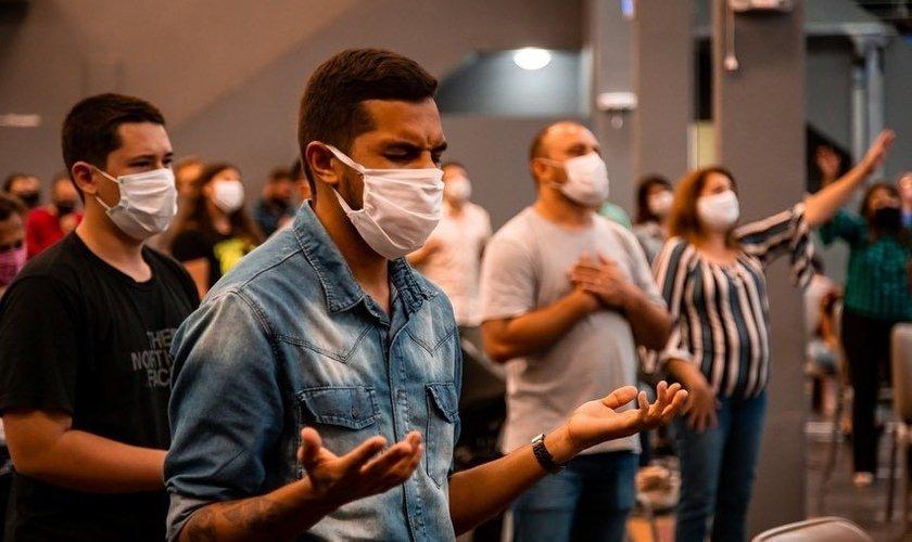 Comissões aprovam manutenção de atividade religiosa na pandemia