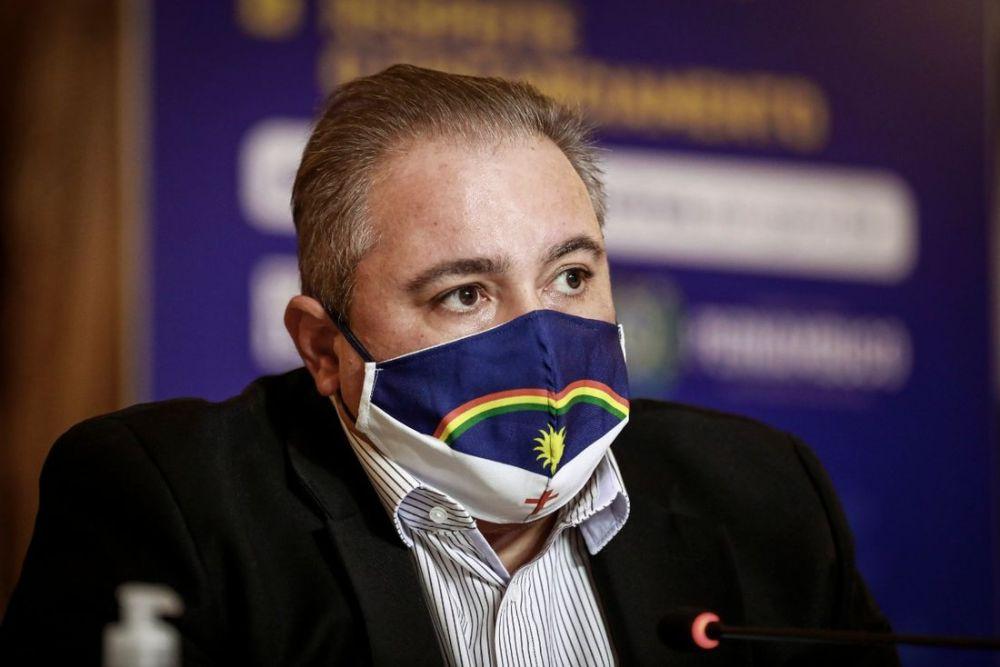 """""""Ou todos cooperam ou vai faltar leito para quem precisa"""", diz secretário de Saúde de Pernambuco"""