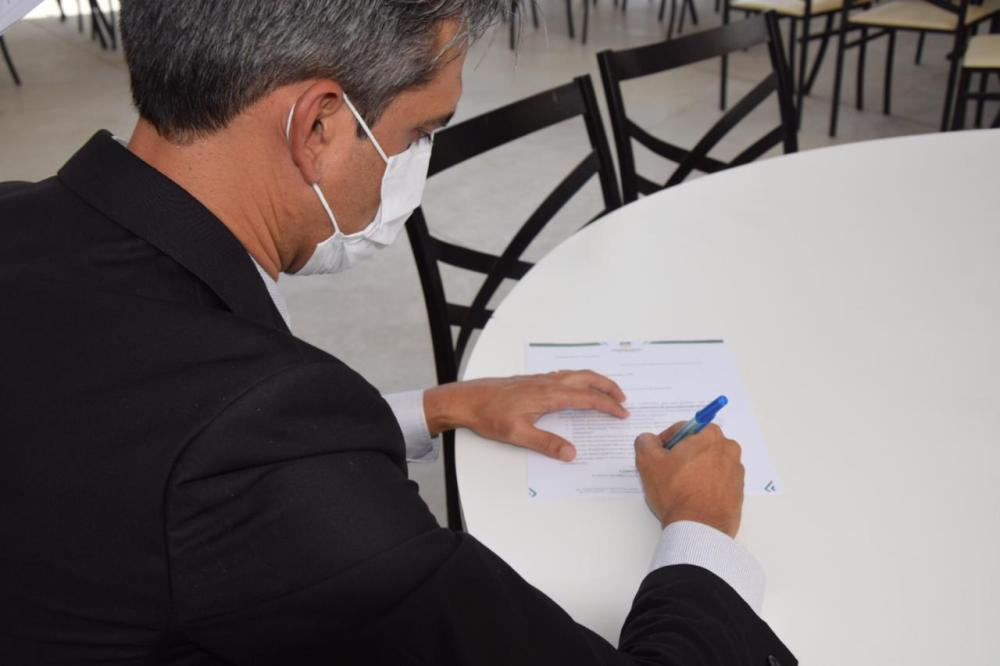 Fábio Aragão anuncia auxílio emergencial municipal para 1000 famílias carentes