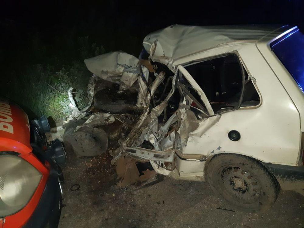 Motorista morre em colisão entre carro e caminhão na BR-232, em Pesqueira