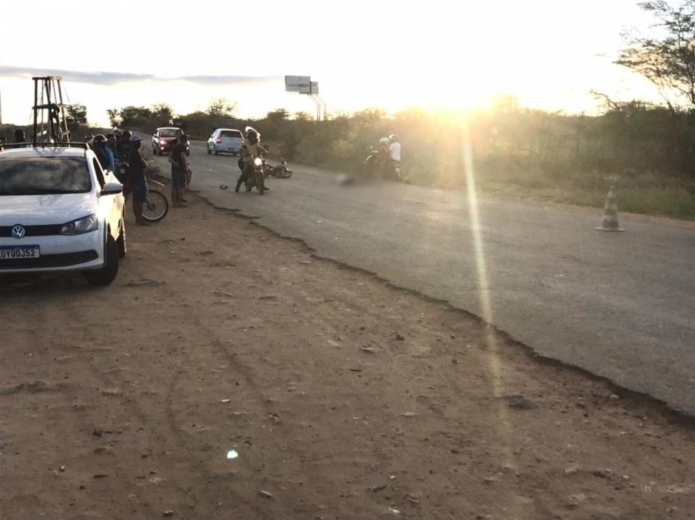 Mulher morre na hora após colisão na PE-160, em Santa Cruz do Capibaribe