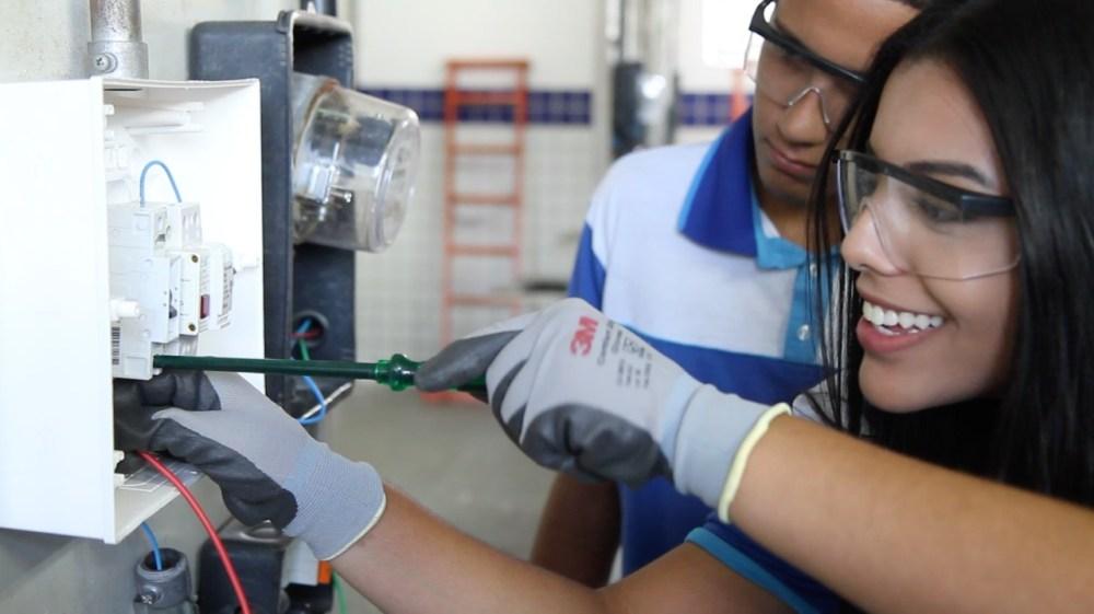 SENAI-PE oferece mais de 2 mil vagas para cursos técnicos em todo o Estado