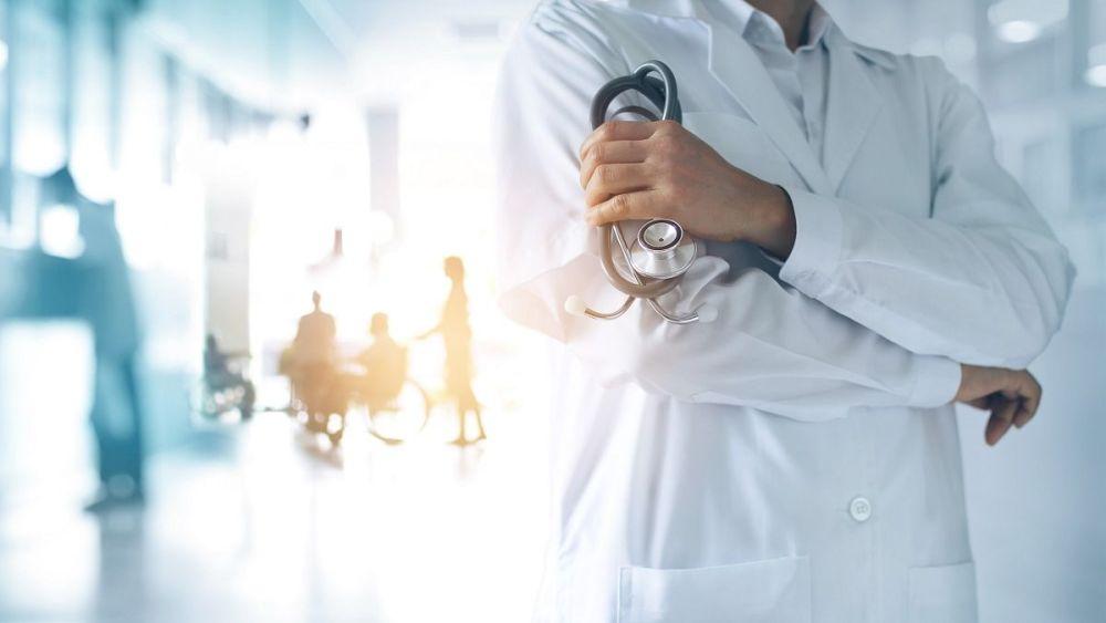 Após pacientes morrerem por negligência, falsos médicos são presos no Agreste de Pernambuco