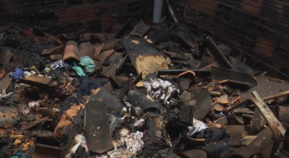 Homem é preso suspeito de atear fogo na casa dos pais no Agreste