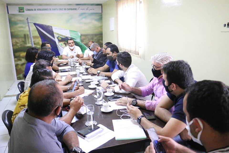 Vereadores de Santa Cruz do Capibaribe reúnem-se em sessão extraordinária