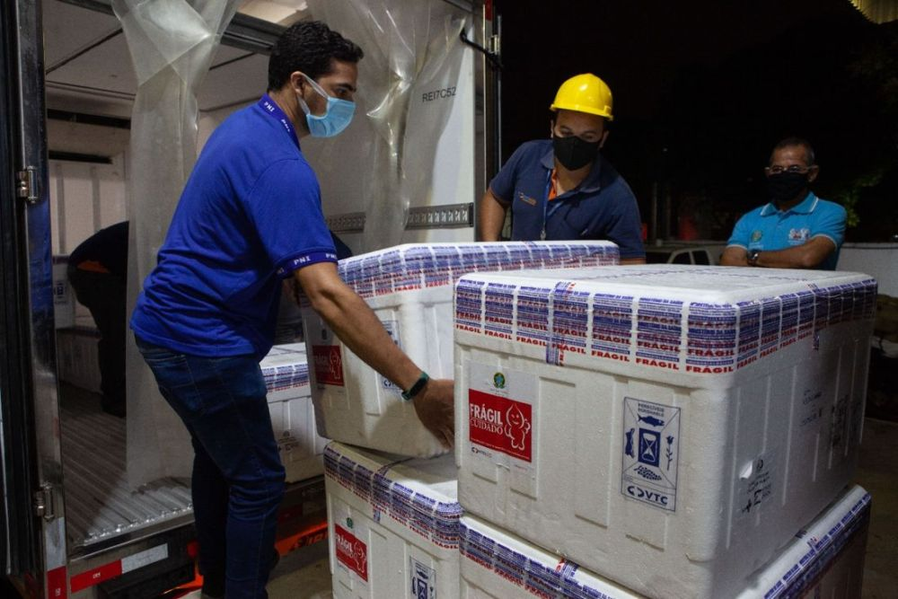 Pernambuco recebe mais 184.250 unidades da vacina da Astrazeneca para primeira dose