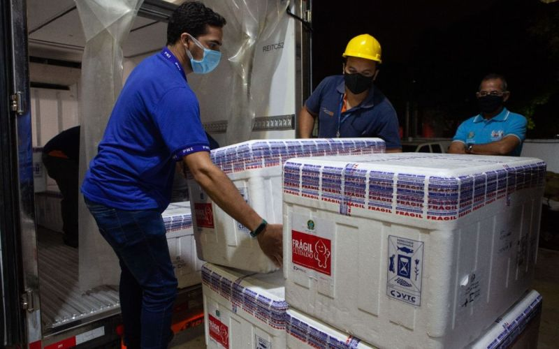 Pernambuco recebe mais 54,9 mil doses de vacinas da Pfizer contra a Covid-19