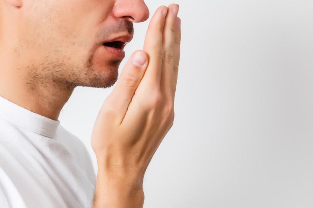 Halitose: O que está por trás do mau hálito e como se livrar dele