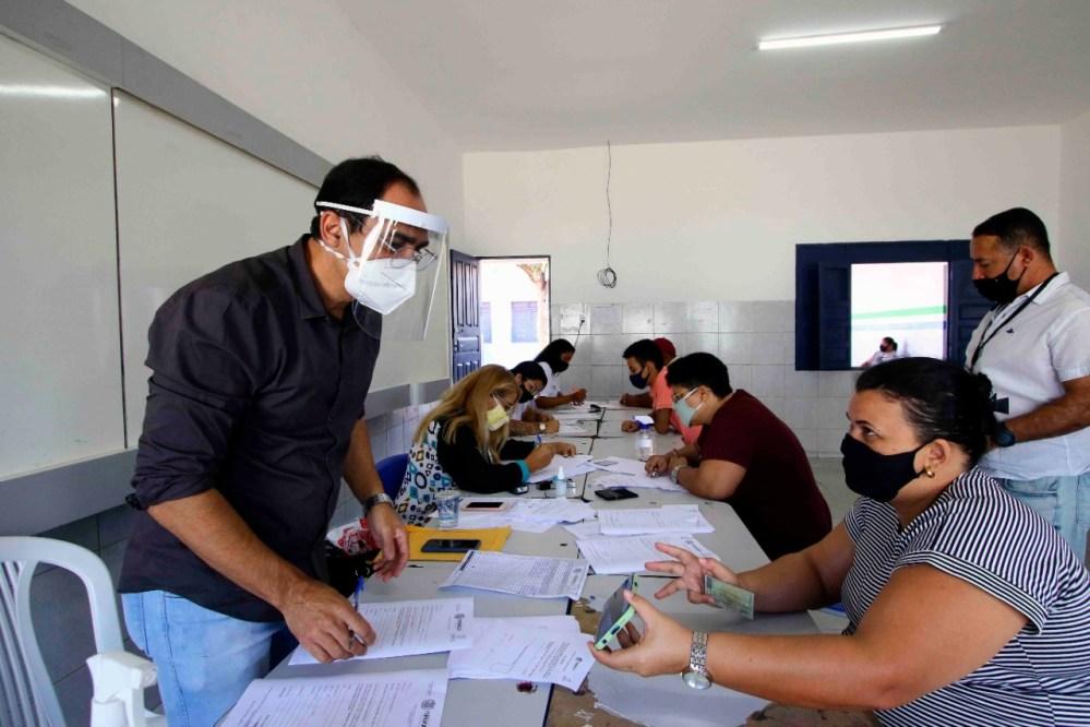 Prefeitura de Santa Cruz do Capibaribe antecipa primeira parcela do 13º salário de servidores