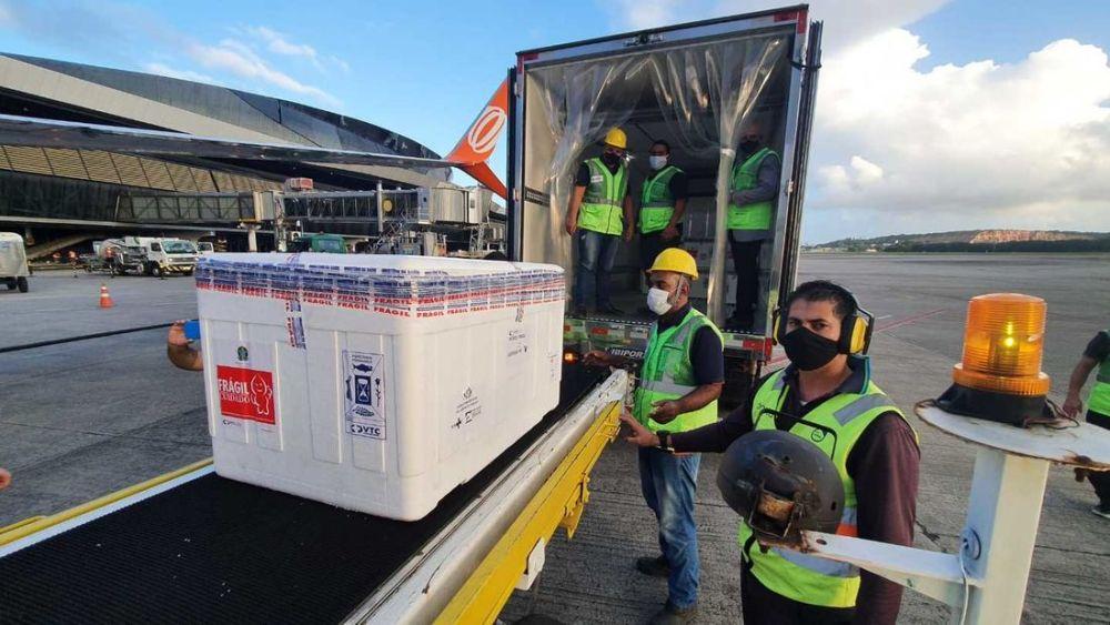 Com entrega de novo lote, Pernambuco recebeu mais de 411 mil vacinas contra Covid-19 na última terça-feira (27)