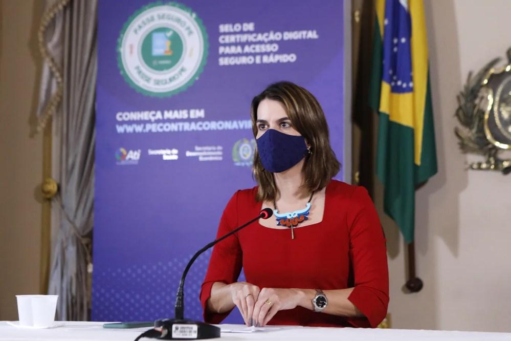 """Pernambuco anuncia """"selo"""" para validar acesso de pessoas vacinadas e testadas à eventos"""