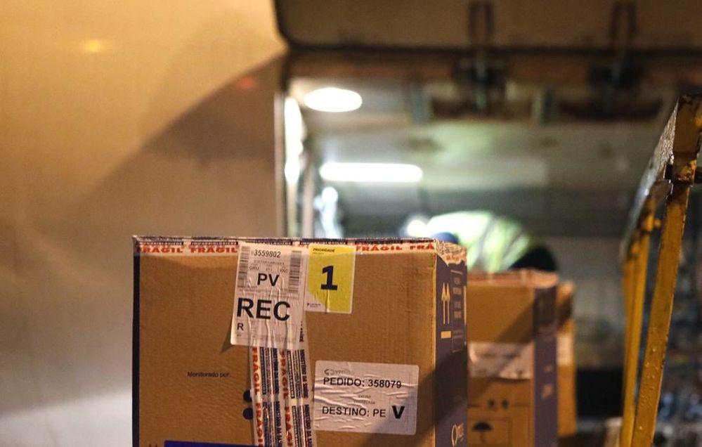 Pernambuco recebe novo lote com 129.870 mil doses de vacinas da Pfizer