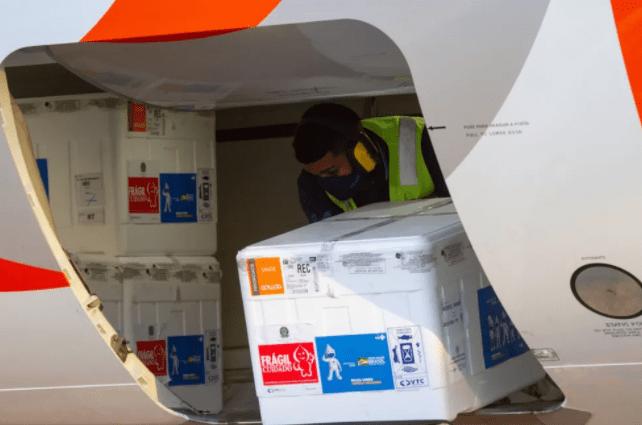 146.420 doses de CoronaVac e Pfizer chegam a Pernambuco para reforçar campanha contra a Covid