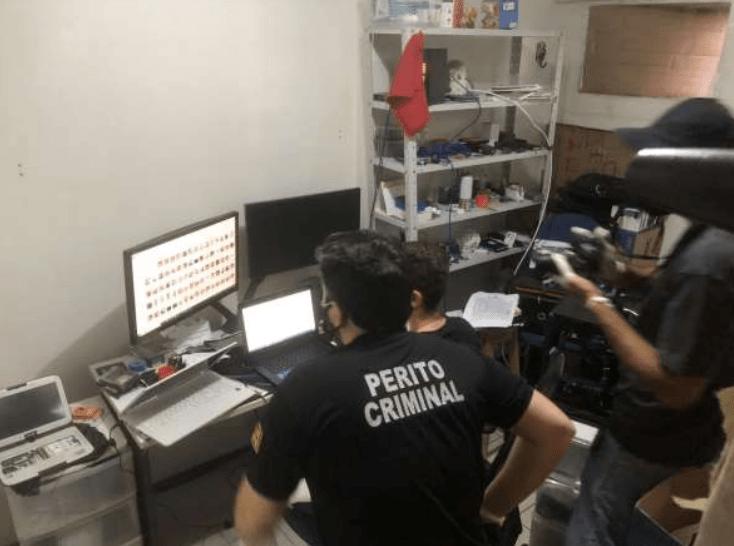 Médico, sócio de escola e outros dois são presos com mais de 2 mil vídeos de pornografia infantil