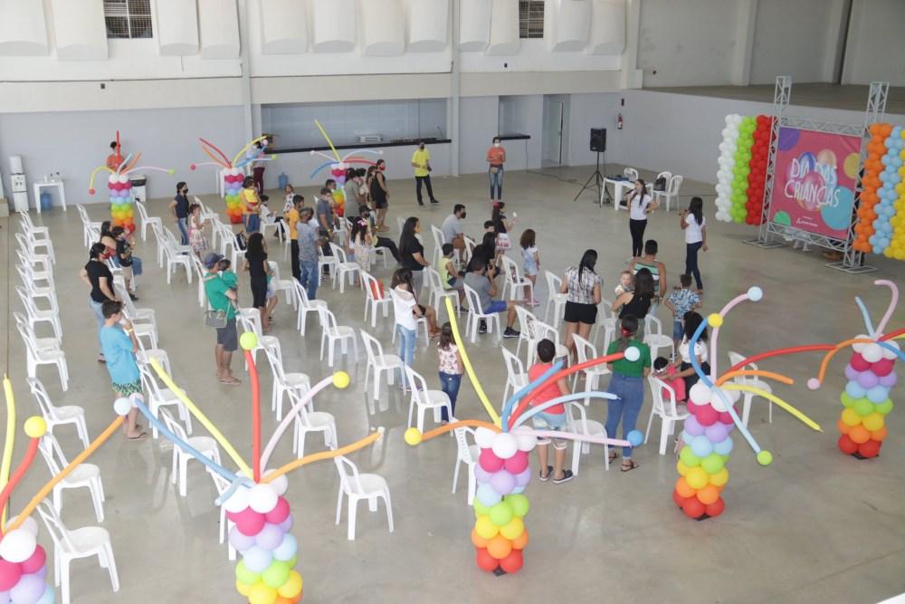 """Moda Center realizou, para colaboradores e seus filhos, o evento """"Dia das Crianças"""""""