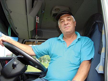 Por gostar muito da profissão, Pedrolino Magalhães diz que enquanto tiver forças continuará trabalhando com caminhão