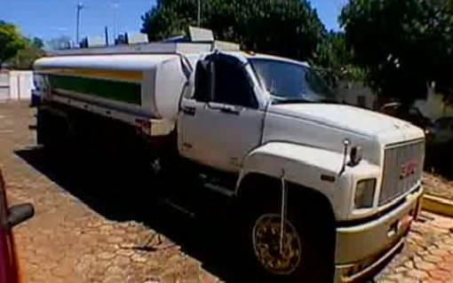 Material mantido em caminhão apreendido vai passar por perícia
