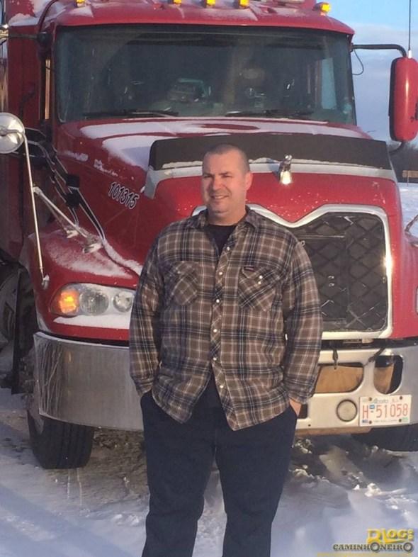 Entrevista com Luiz Carlos Xavier de Oliveira, o caminhoneiro brasileiro no gelo canadense