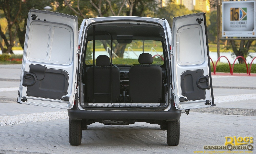 renault apresenta o kangoo 2015 blog do caminhoneiro. Black Bedroom Furniture Sets. Home Design Ideas