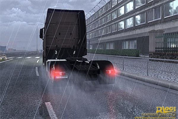 Larger-Rain-Spray-from-Wheels