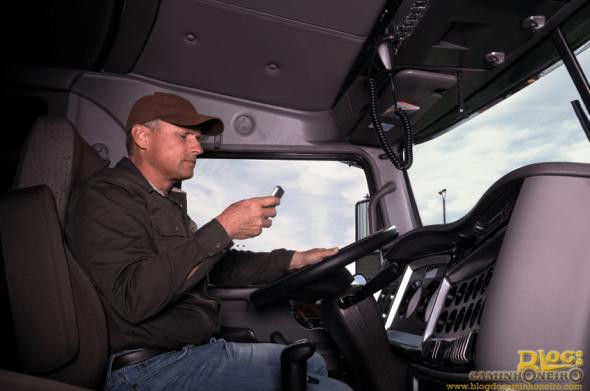 conheca-piores-habitos-transito-evite-acidentes-blog-do-caminhoneiro-2