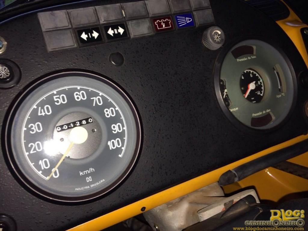Mercedes benz 1113 ano 1983 com apenas 1280 km original for Mercedes benz bentonville ar
