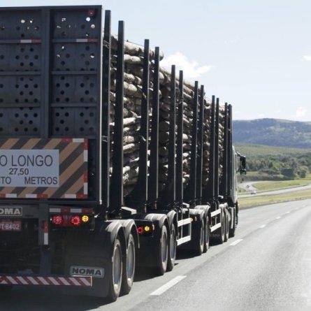 Justiça obriga empresa a reduzir jornada de caminhoneiros