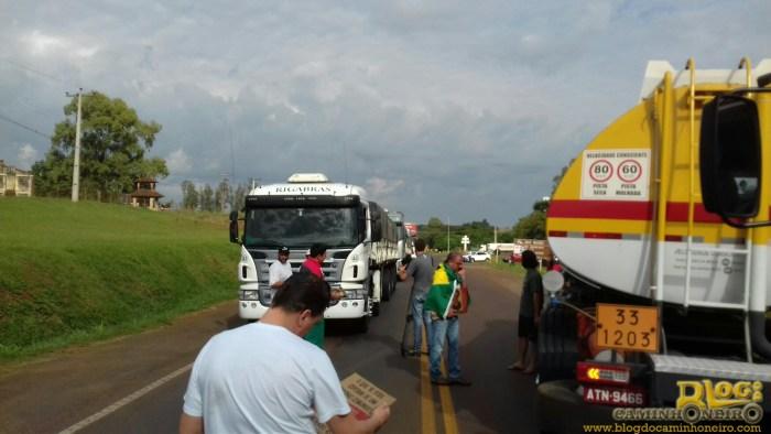 protesto caminhoneiros rio grande do sul (3)