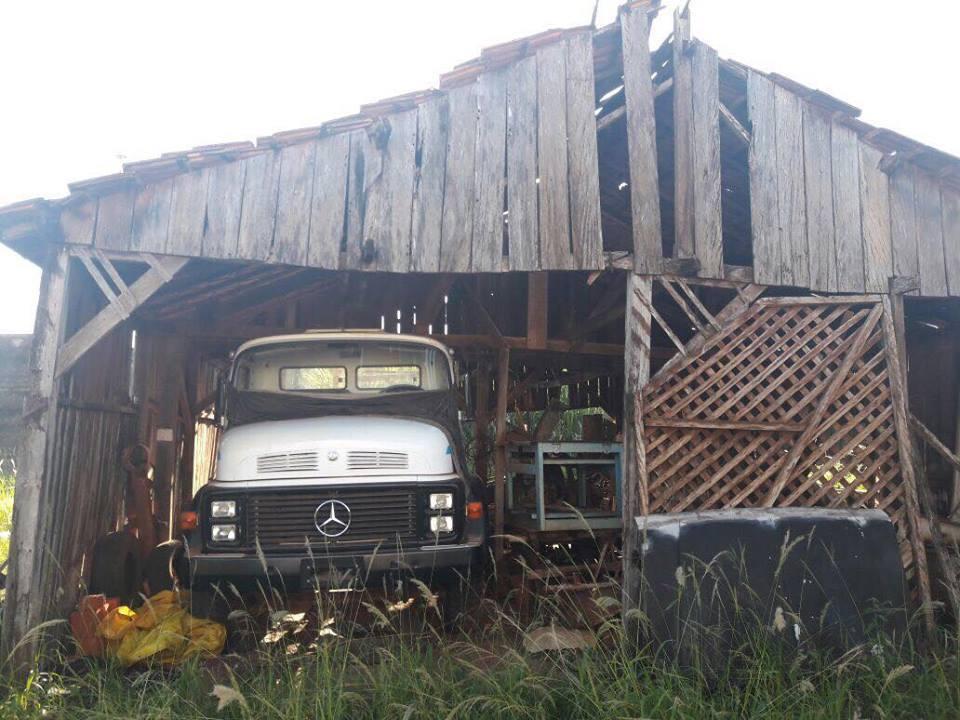 Mercedes-Benz 1318 fabricado em 1989 é encontrado Zero KM