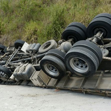 Loja terá que indenizar caminhoneiro por vender caminhão com defeito