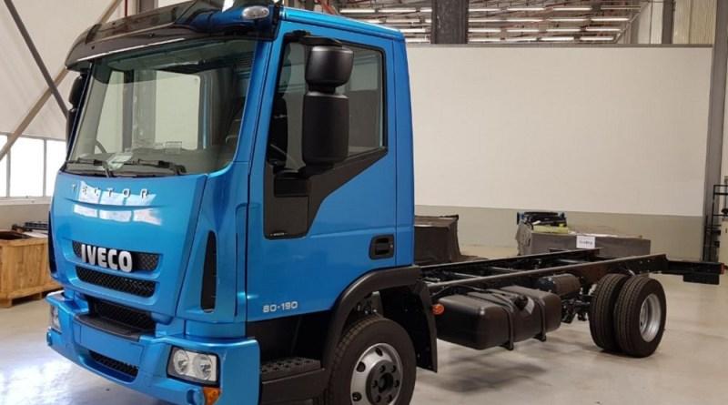 Iveco apresenta versão leve do modelo Tector, de 8 e 11 toneladas