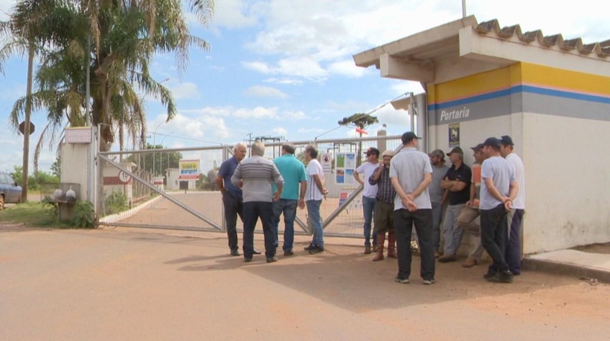 Caminhoneiros protestam contra preço dos combustíveis com bloqueios no Rio Grande do Sul