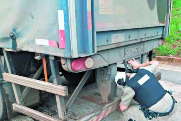 Mais de 50% dos caminhões são autuados em 'pente-fino' em Belo Horizonte