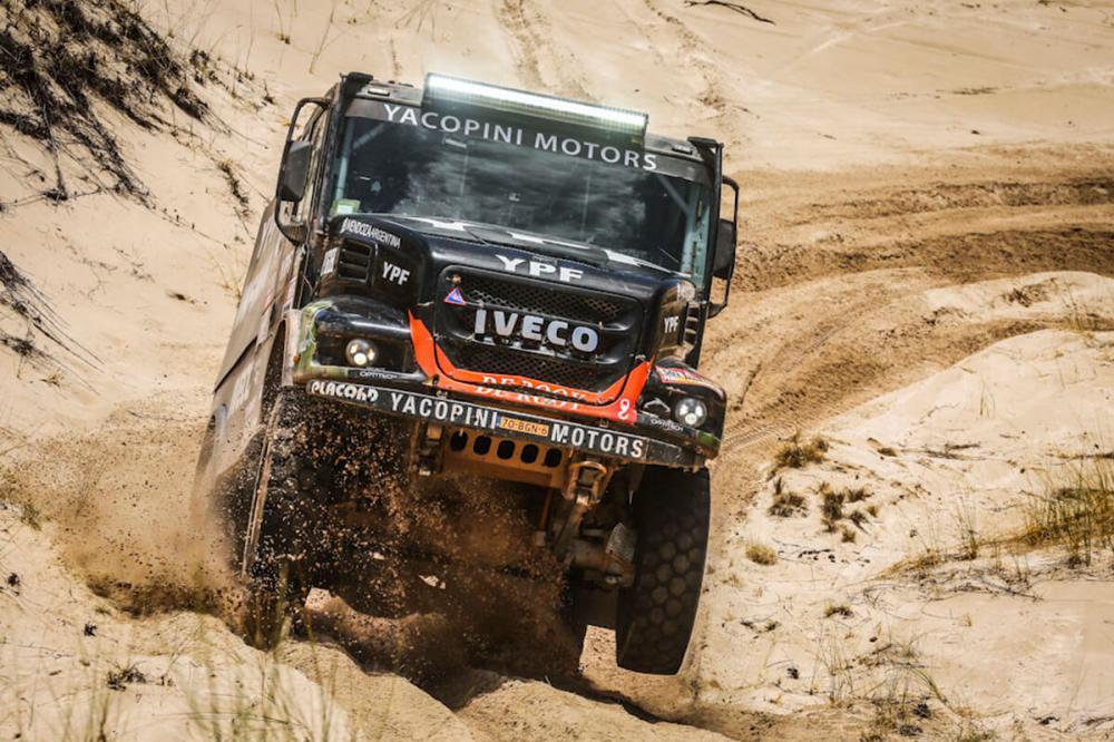 Caminhões Iveco no Dakar usam motores iguais aos de modelos de estrada