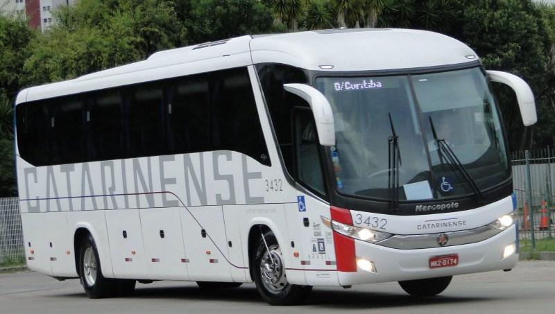 Viação Catarinense publica nota sobre vídeo com manobras perigosas de ônibus da empresa