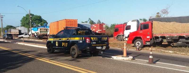 PRF fiscaliza horário de descanso diário de caminhoneiros
