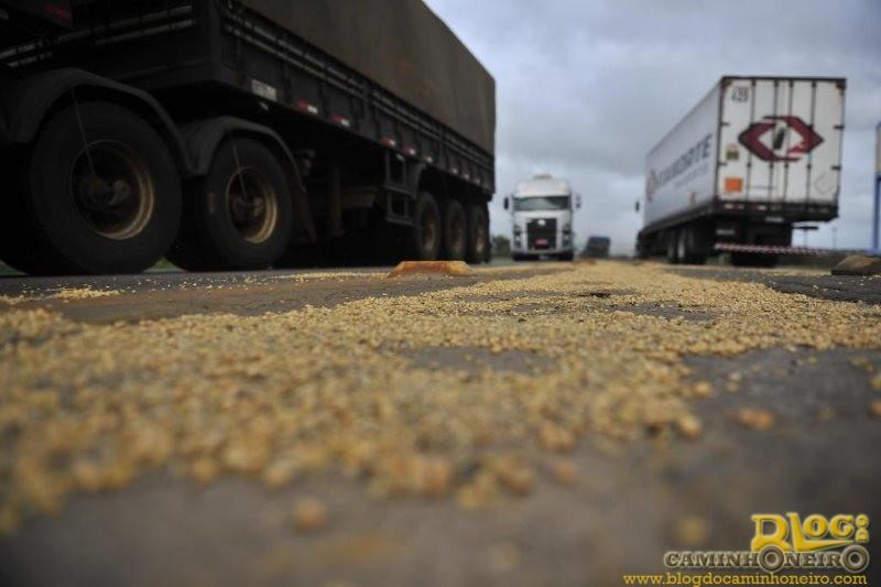 Deputado sugere obrigação da instalação de vedação interna para caminhões graneleiros