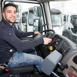 Faltam 43 mil caminhoneiros na França - Candidatos escolhem caminhões e até salários