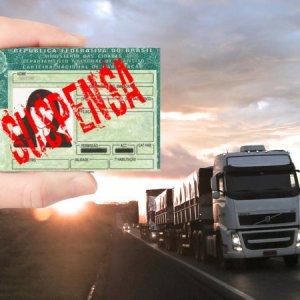 Projeto acaba com demissão por justa causa de motorista profissional com CNH suspensa