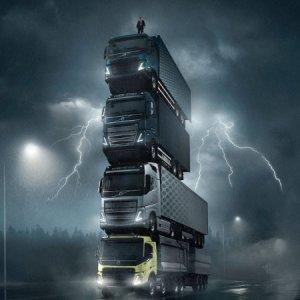 Novos caminhões Volvo são apresentados em torre de 15 metros