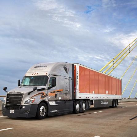 Salários de US$ 90 mil por ano não são suficientes para os motoristas de caminhão nos Estados Unidos