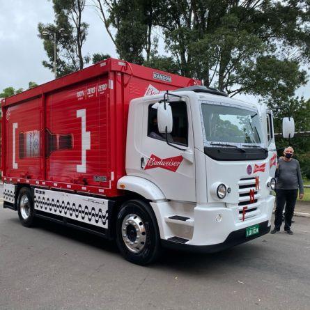 Ambev compra 1.000 caminhões elétricos FNM