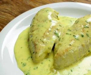 Peito de frango com iogurte e mostarda