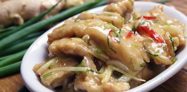 Peixe empanado ao molho chinês