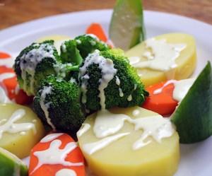 Salada de legumes cozidos no vapor