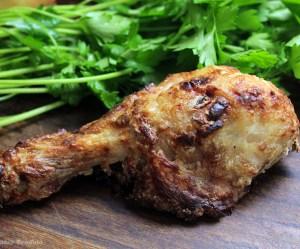 Coxa de frango com creme de cebola