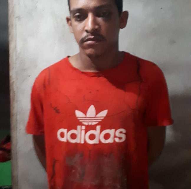 GOE prende suspeito de assassinar homem com uma facada na madrugada desta segunda-feira em Pinheiro